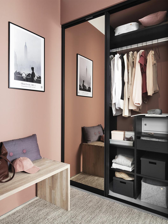 Snygg inbyggd garderob från Ballingslöv