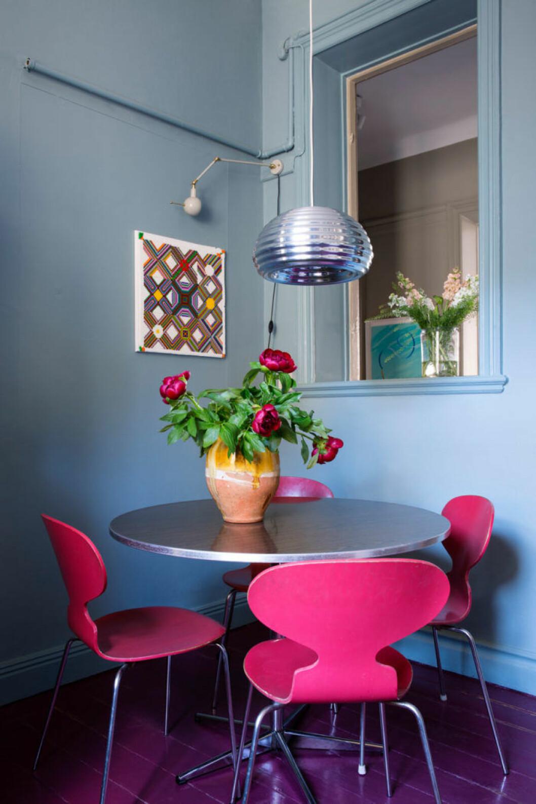 Matplats i blåa och rosa toner