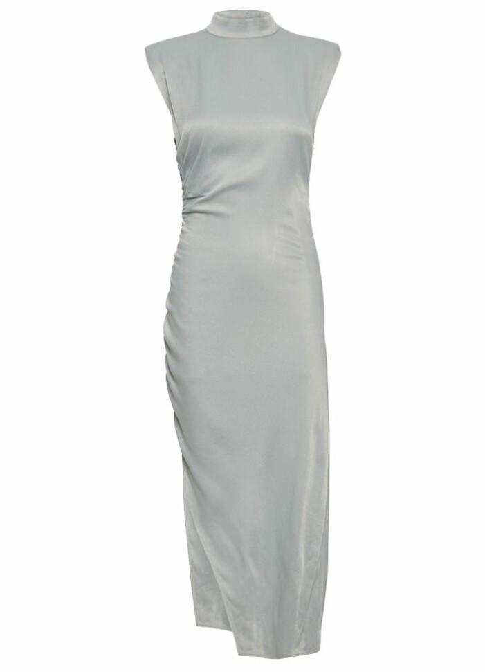 rynkad klänning