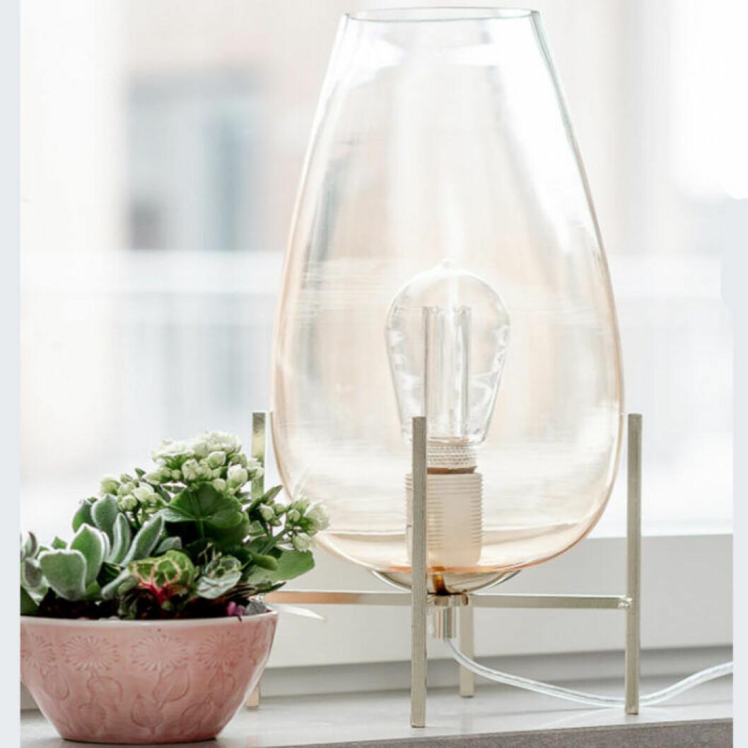 fin glaslampa för fönster