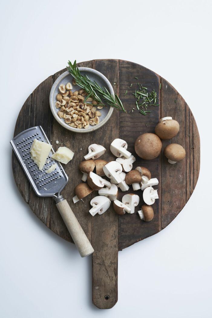 Gnocchi med skogschampinjoner, rödlök och hasselnötter, steg 6