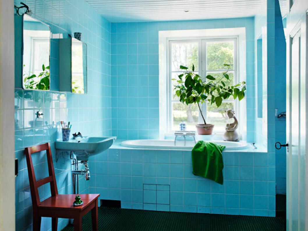 Helkaklat turkost badrum