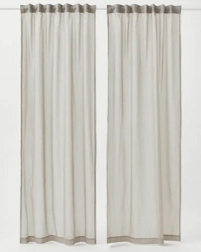 ljusgrå tunna gardiner