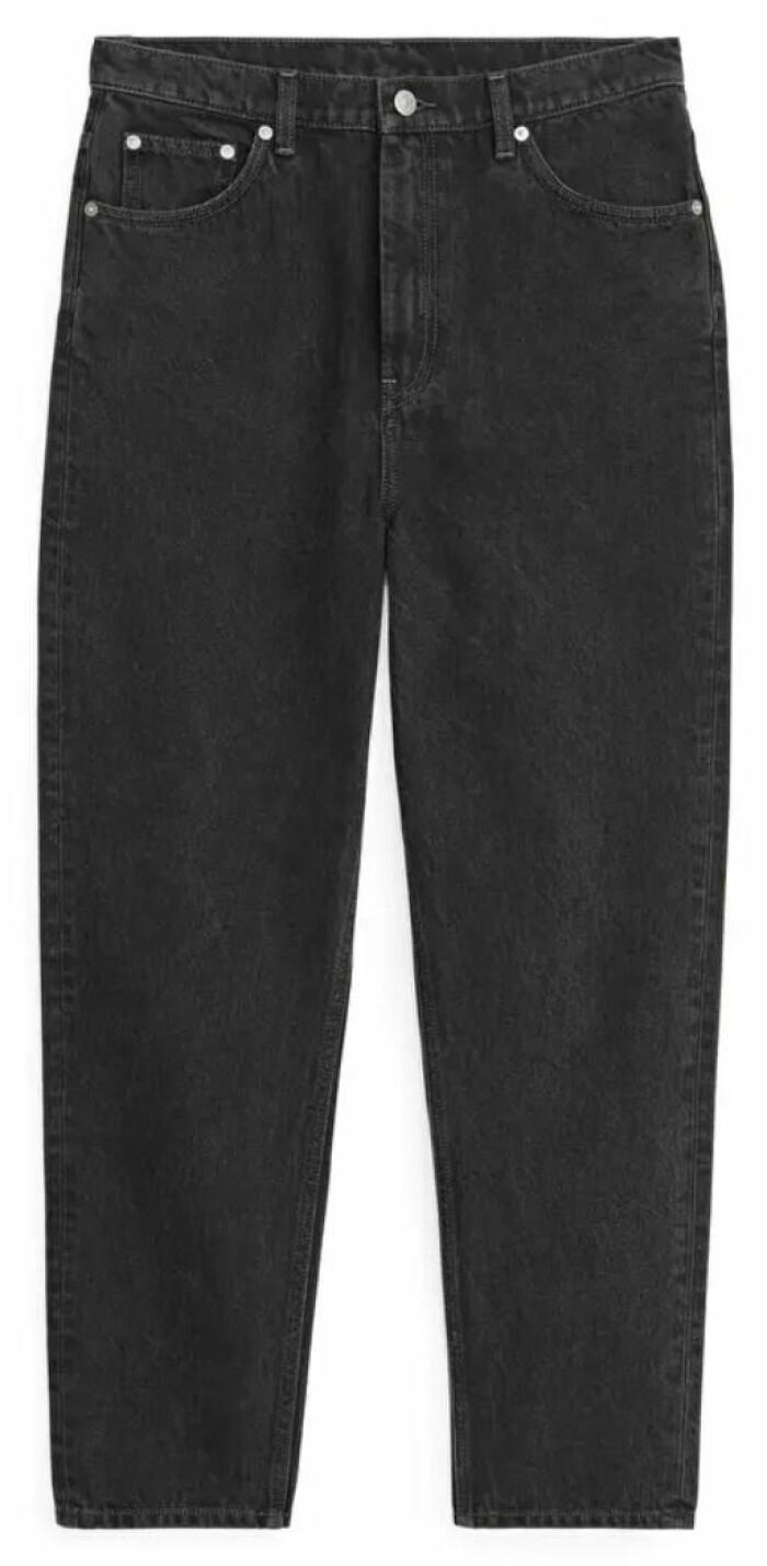 grå jeans från arket.
