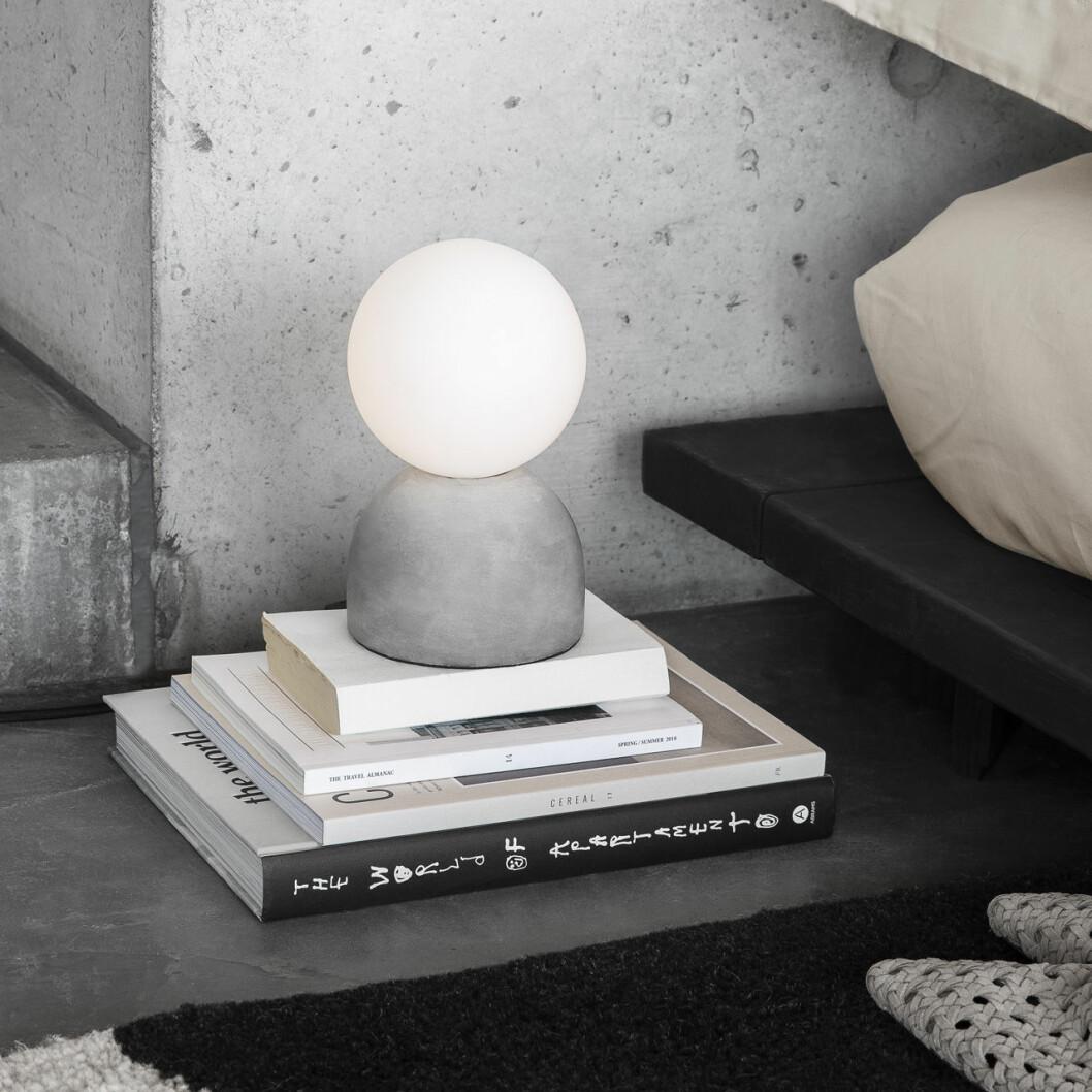 Granit Soft Horizontal bordslampa