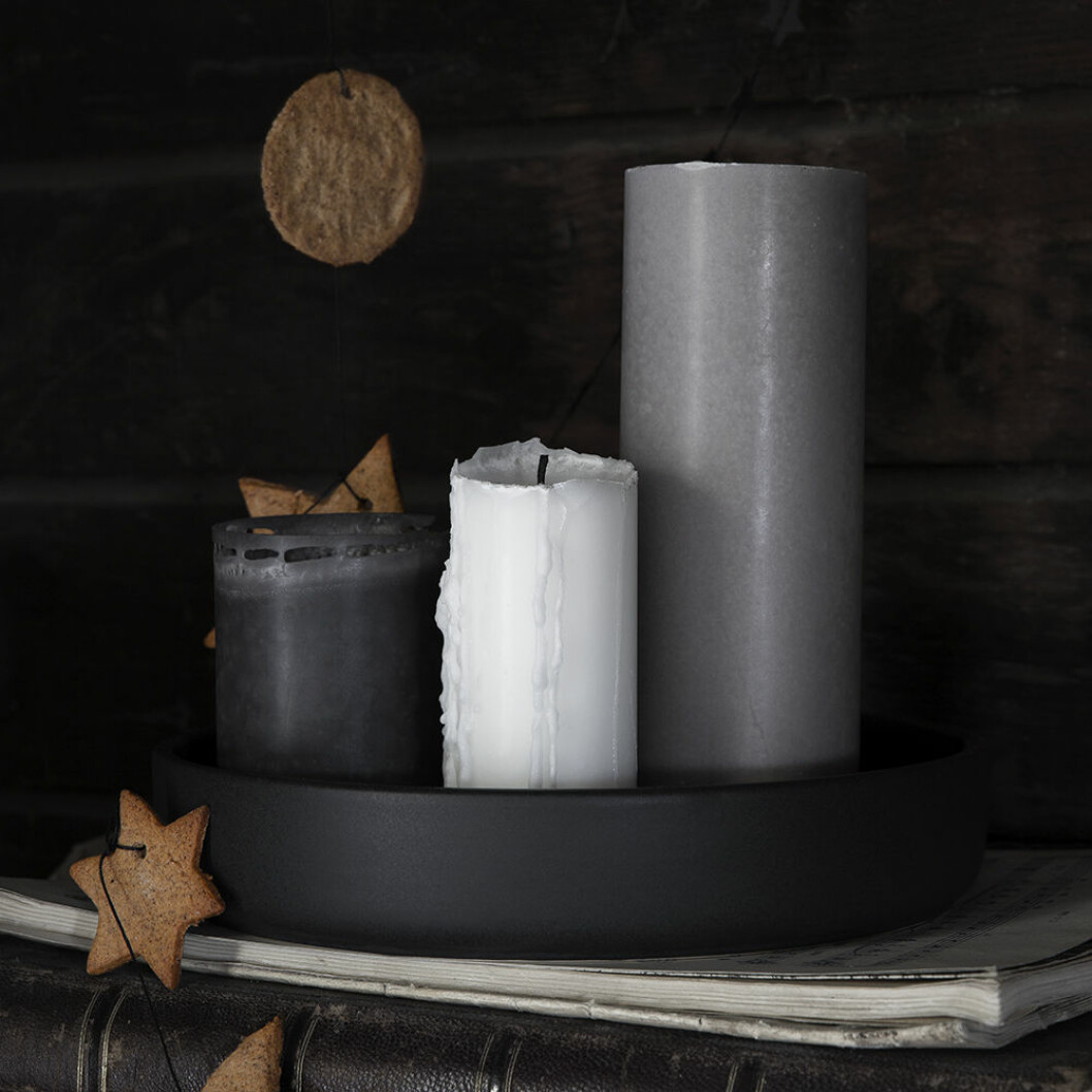 Blockljus i vitt, grått och svart från Granit julen 2019