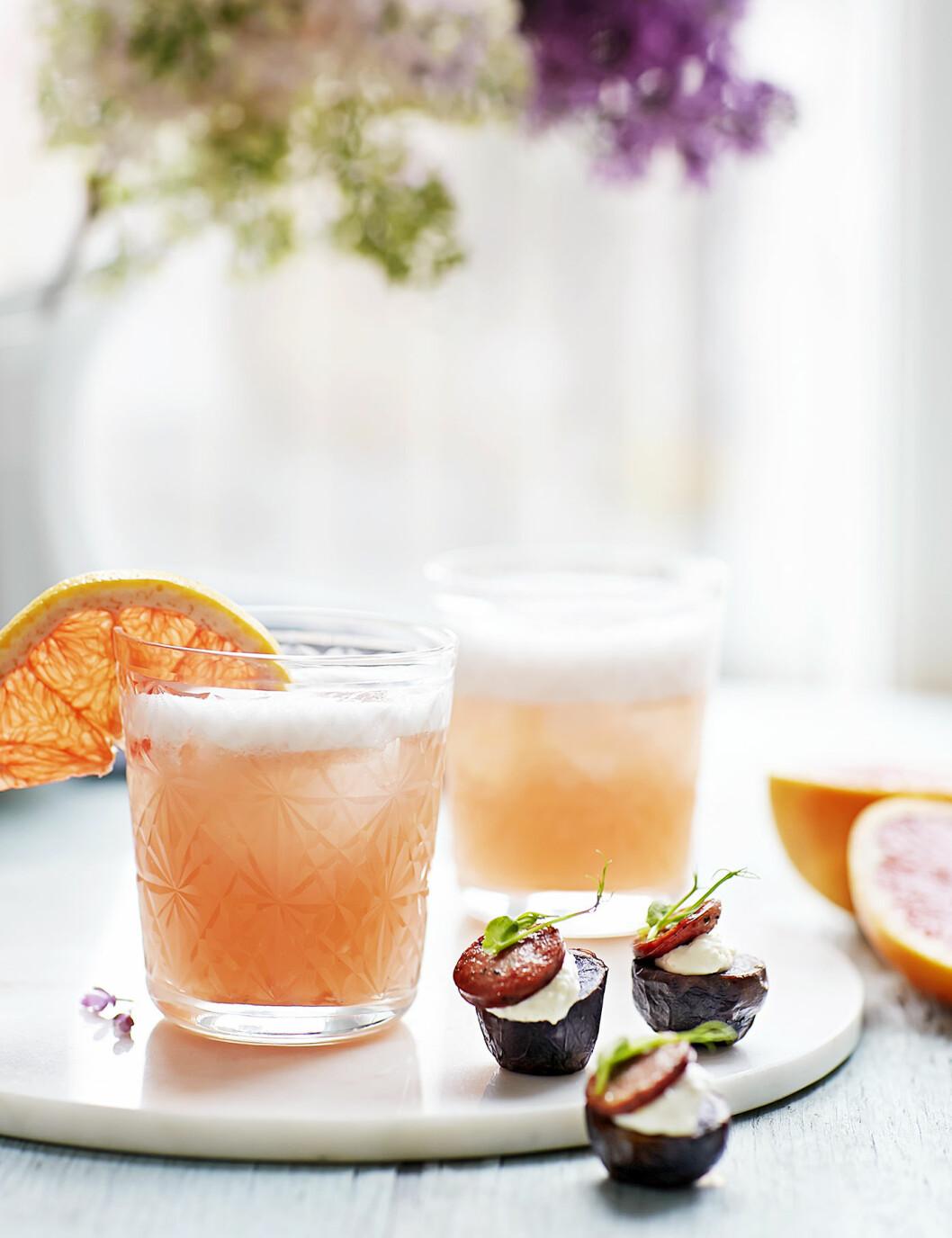Gör en rosa grapefruktsfizz