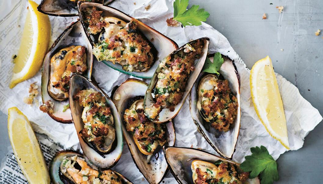 Recept på gratinerade musslor med örtsmör