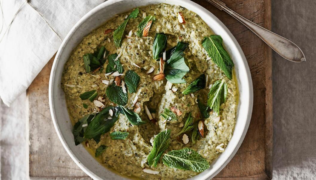 Recept på grillad zucchiniröra med mynta och mandel