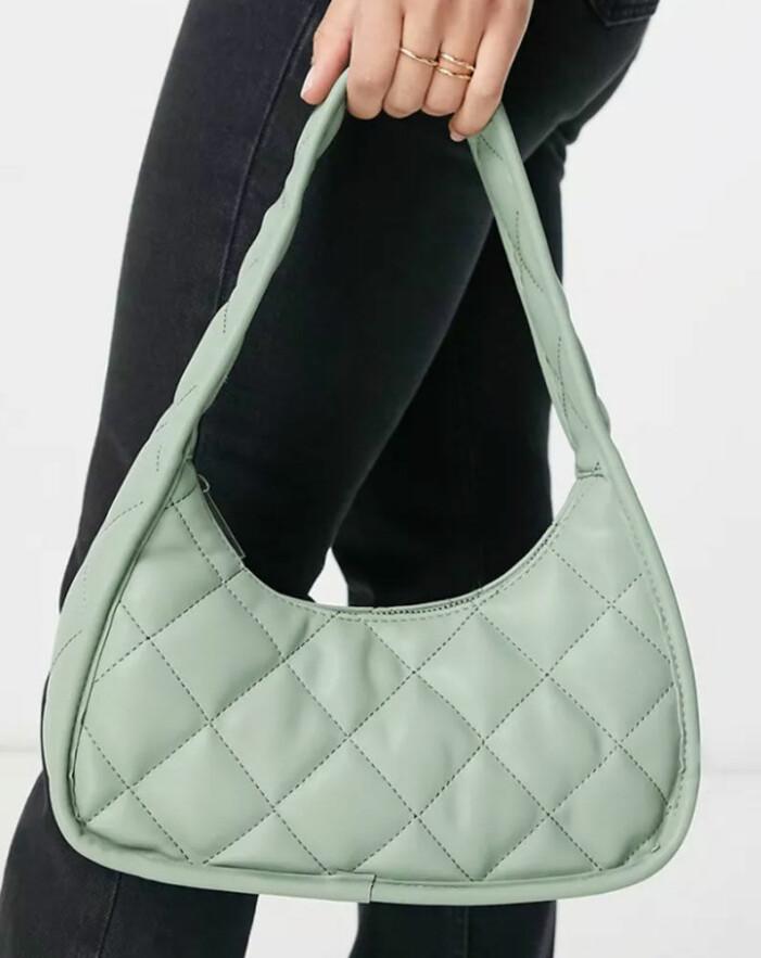 ljusgrön quiltad handväska