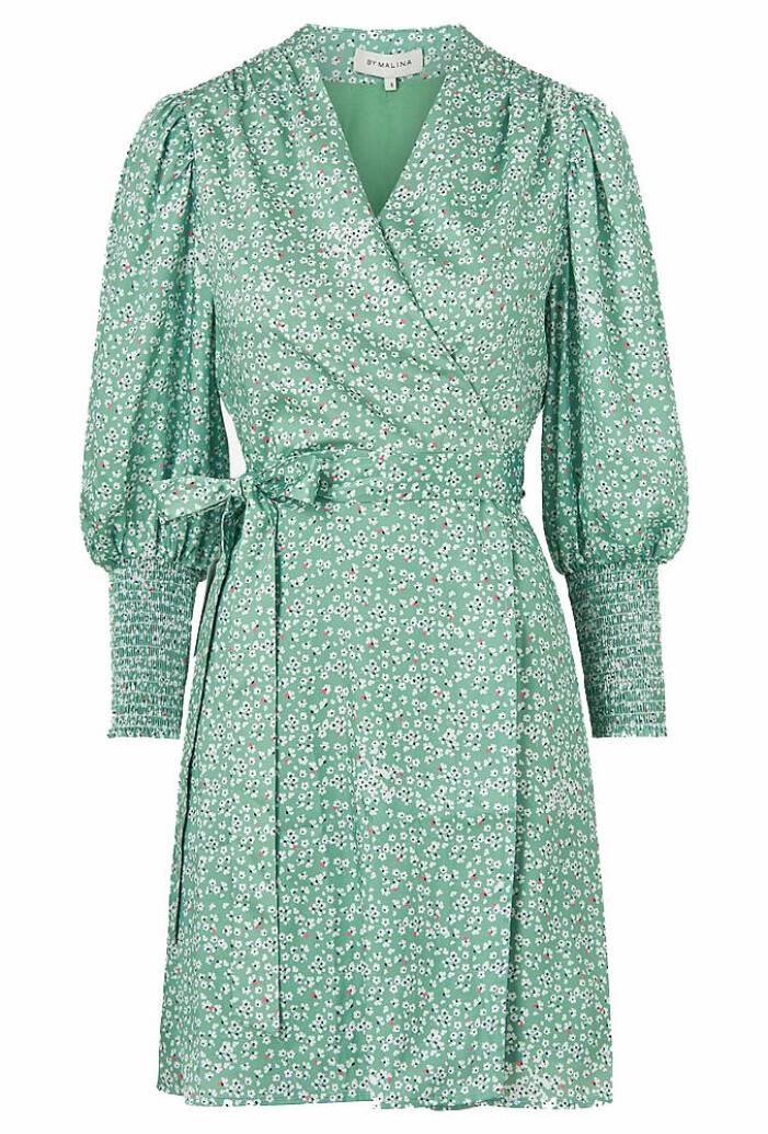 grön blommig klänning från By Malina