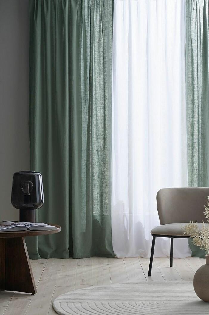 gröna tunn gardiner i linne