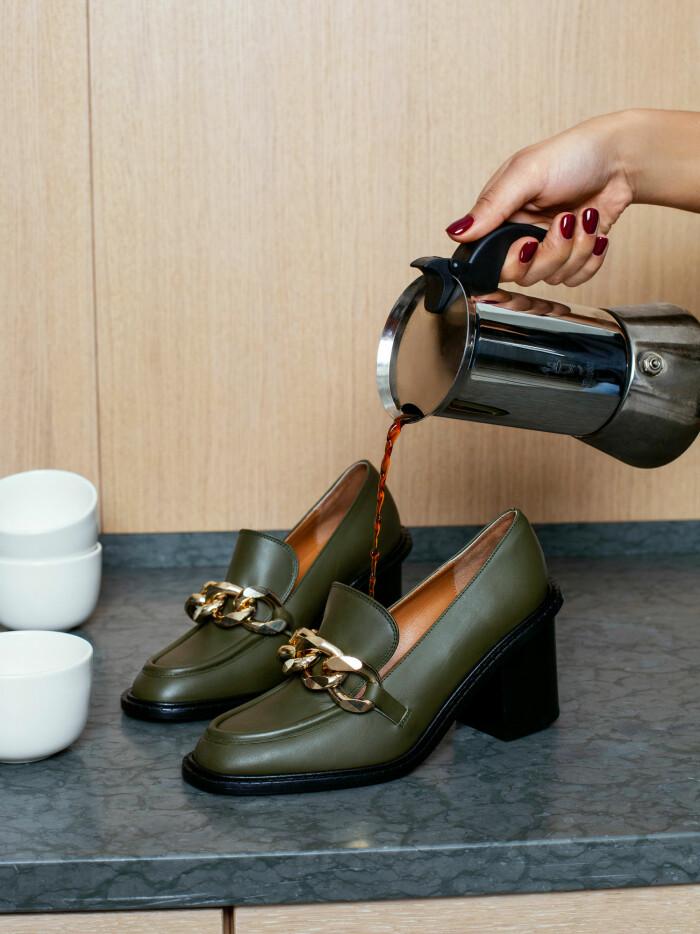 gröna loafers med klack atp atelier aw21