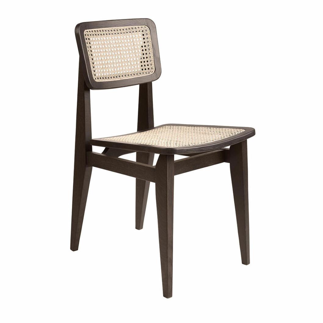 C-Chair stol för matbordet från Gubi