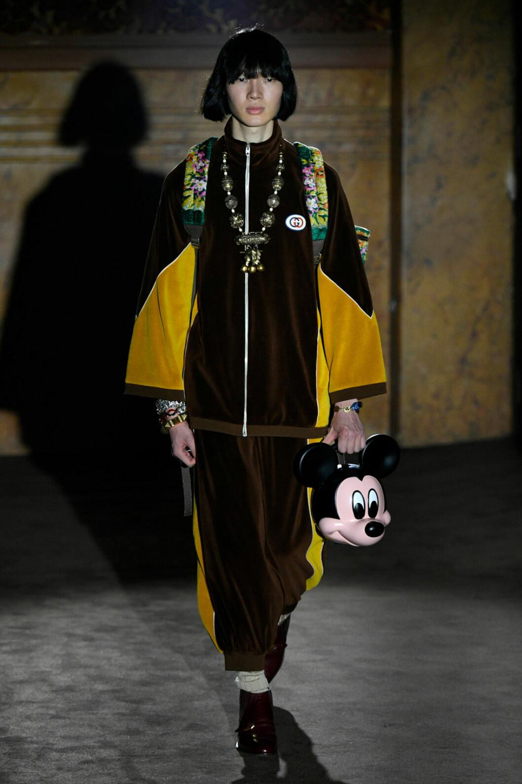 Gucci show paris ss-19