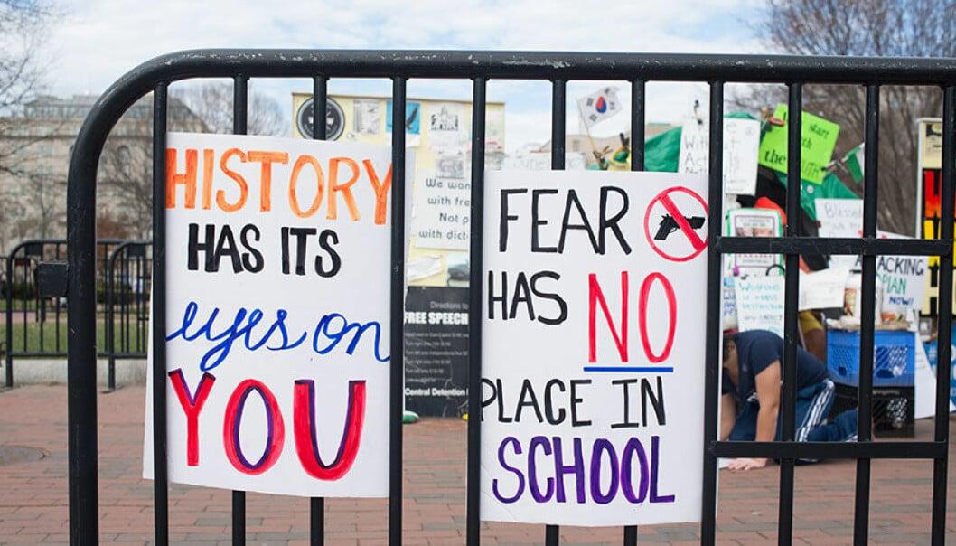 Demonstrationer och banderoller efter skolskjutningen i Parkland, Florida.