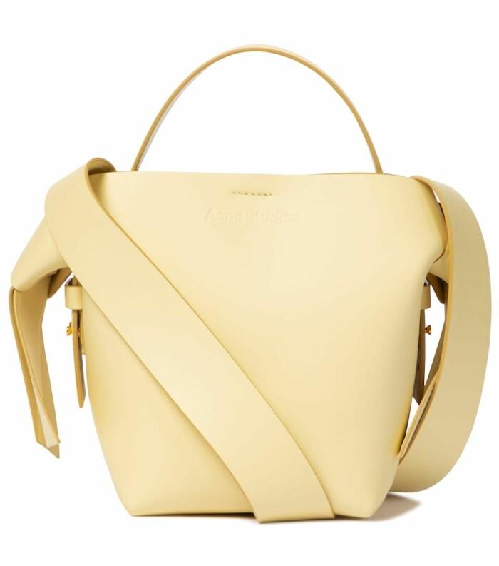 gul väska från Acne studios.