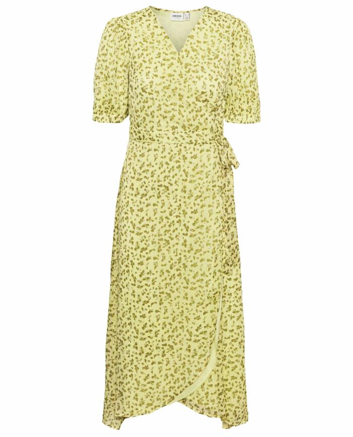gul blommig klänning omlott