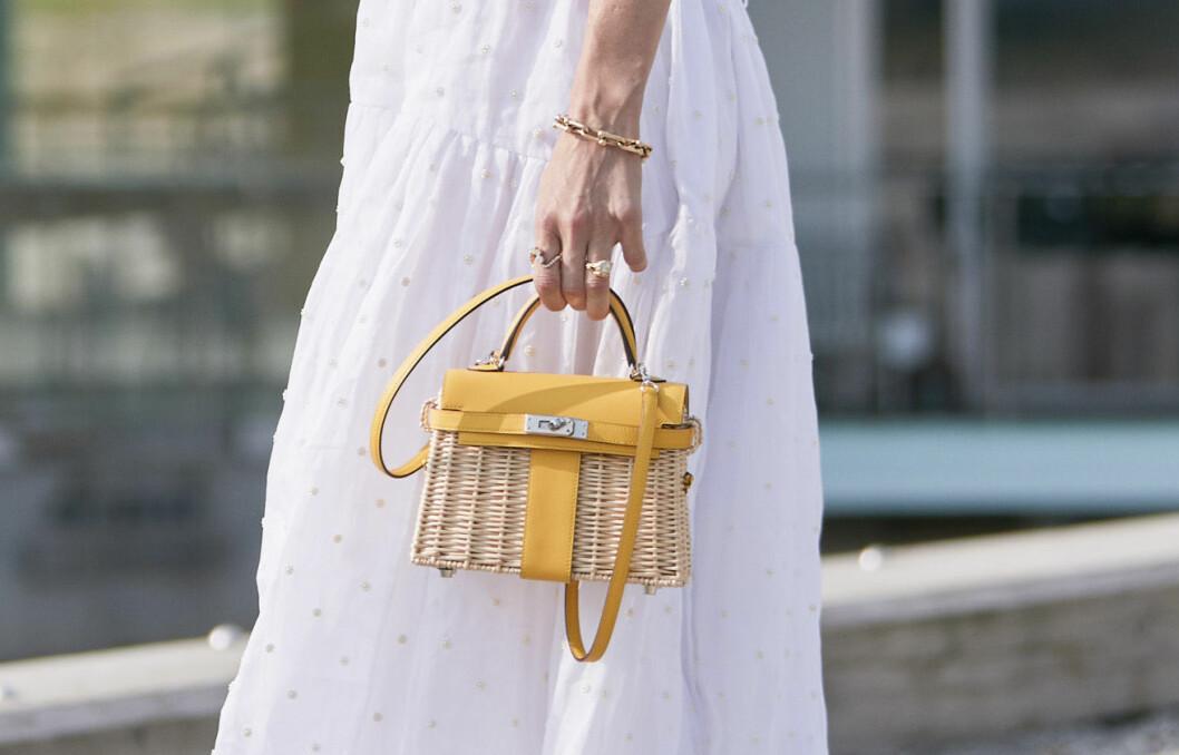 liten gul väska