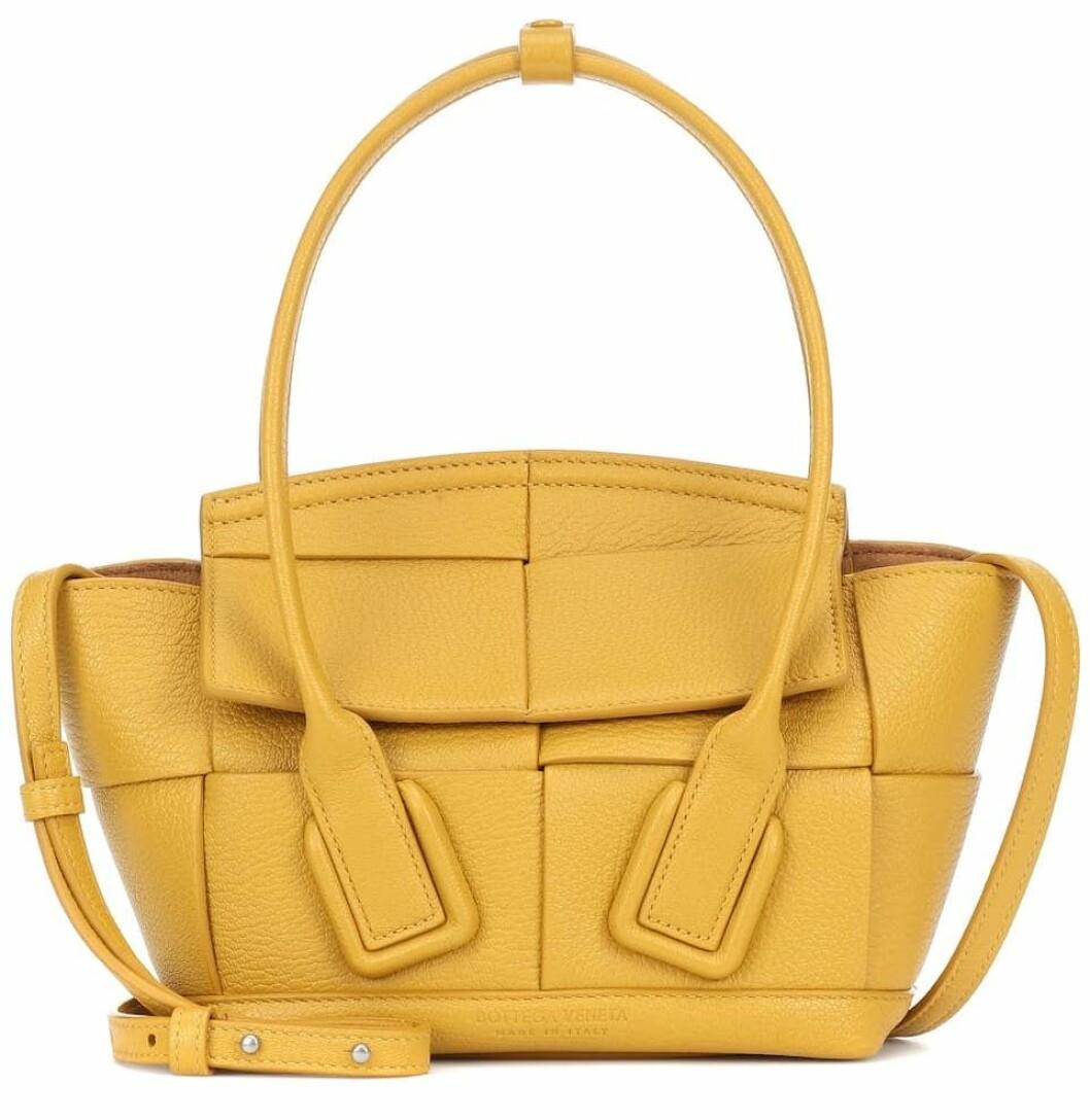 Söt väska i gult från Bottega Veneta.