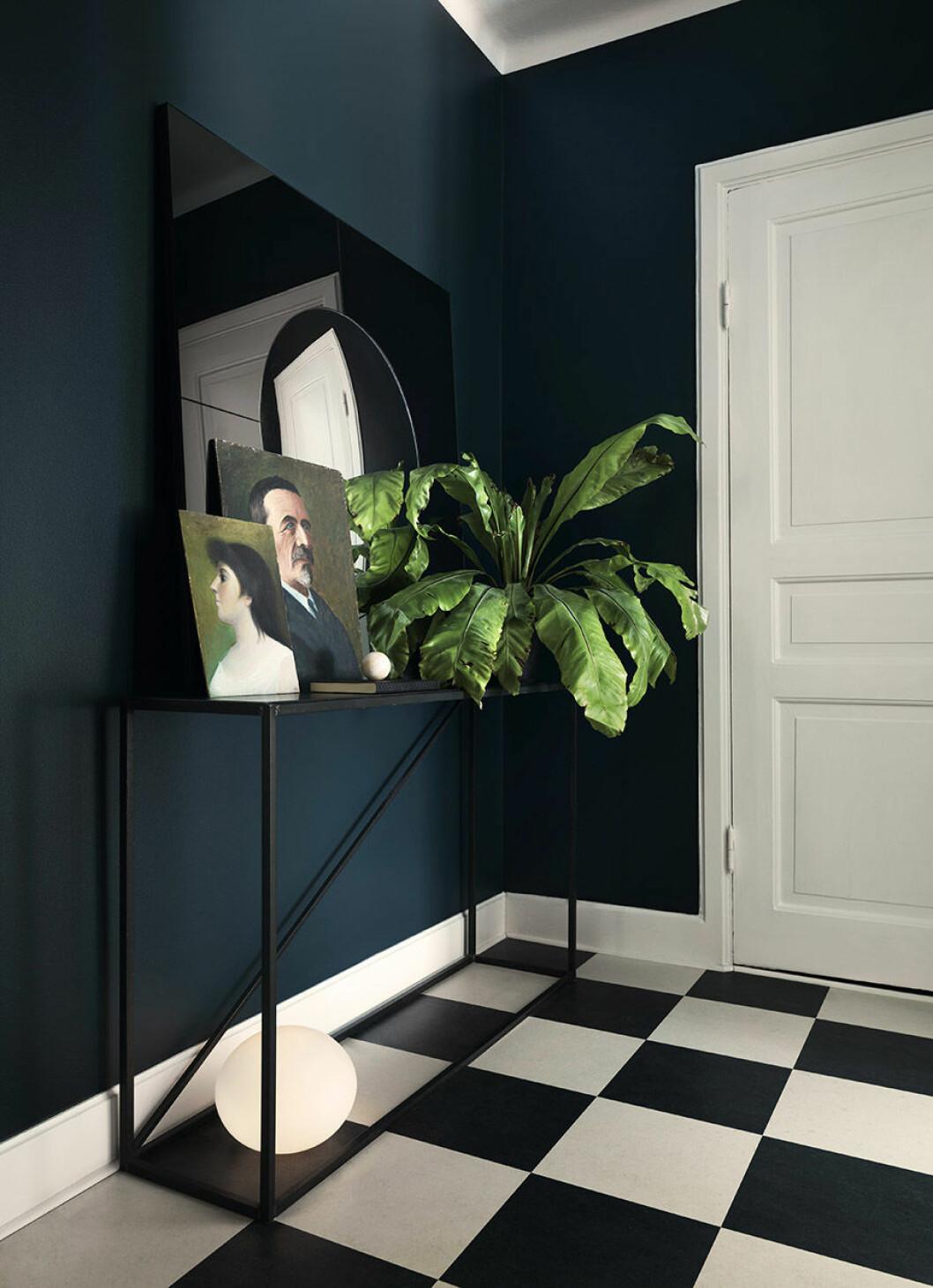 Lägg till växter i hallen.