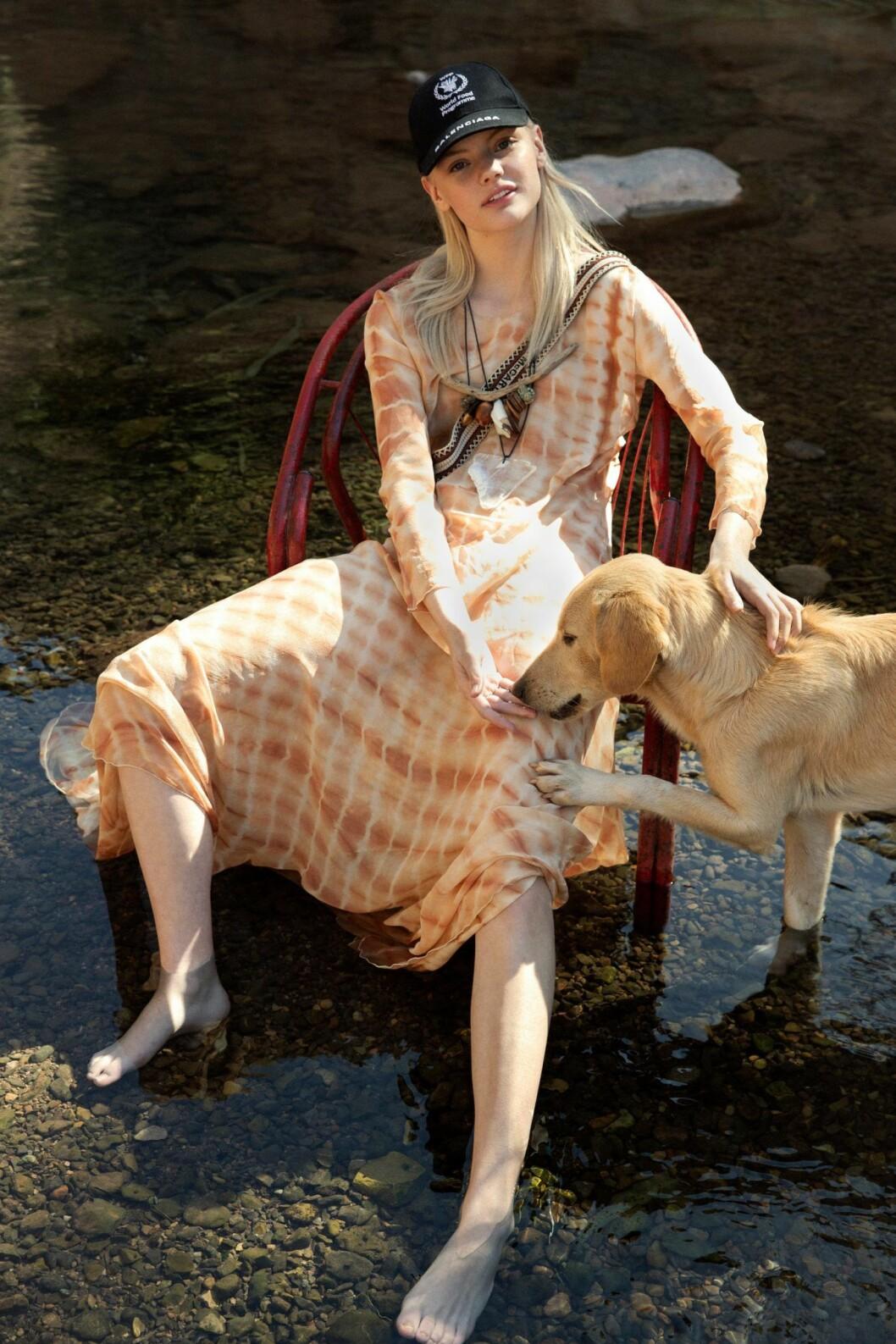 Batikmönstrad långklänning från Awave Awake, så stylar du den sportiga trenden 2020