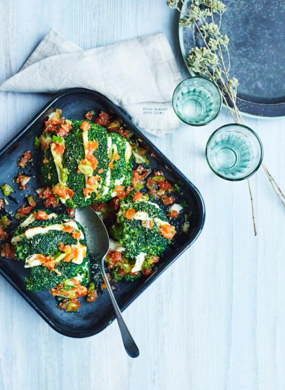 Recept på halloumigratinerad broccoli