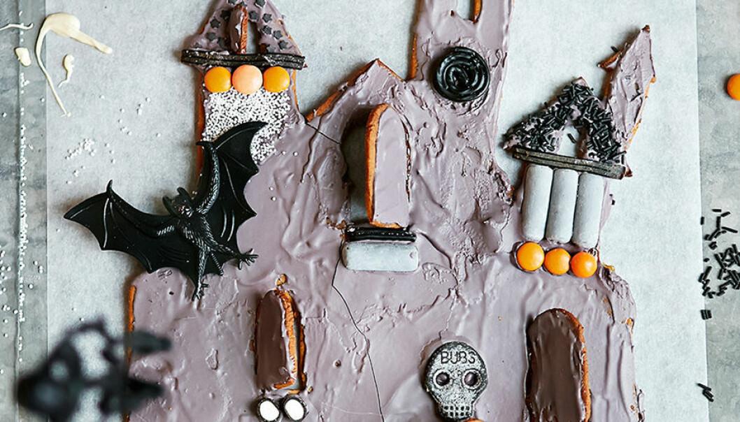 Baka ett spökhus av pepparkaka.