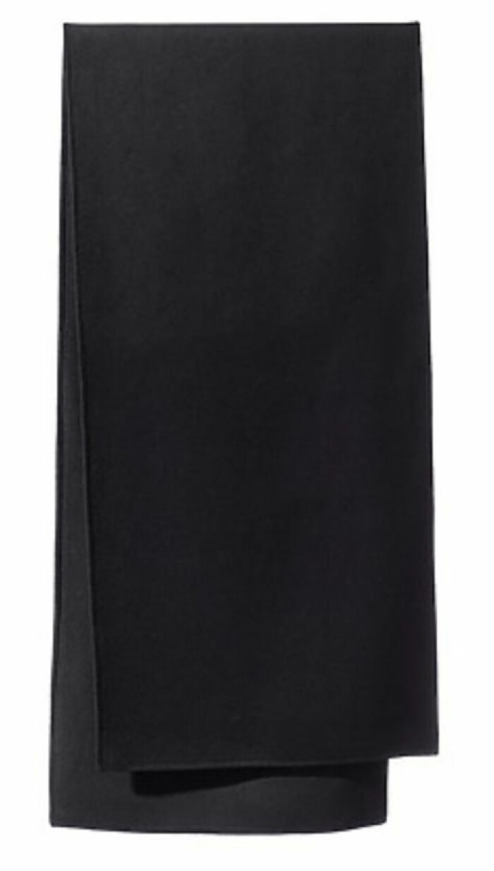 Halsduk i svart rak modell från Stylein.