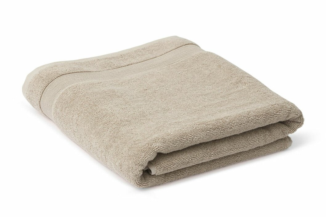 beige handduk i ekologisk bomull från åhléns
