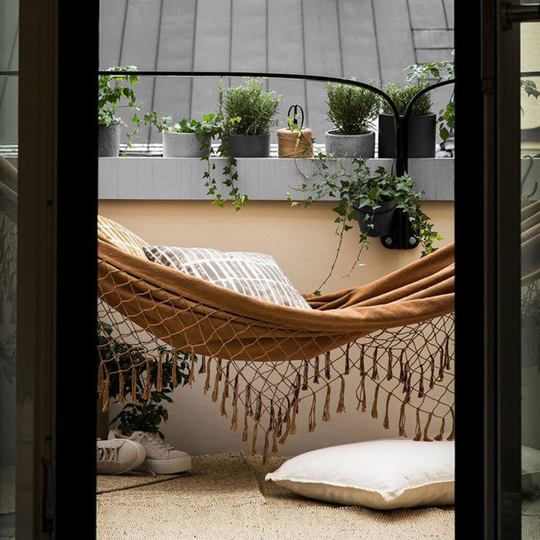 Budgetmöbler för balkongen