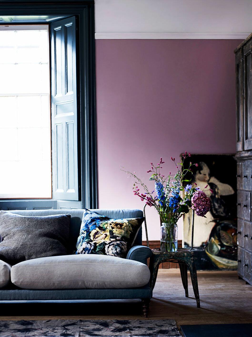 hans_blomquist_purple_wall_lila
