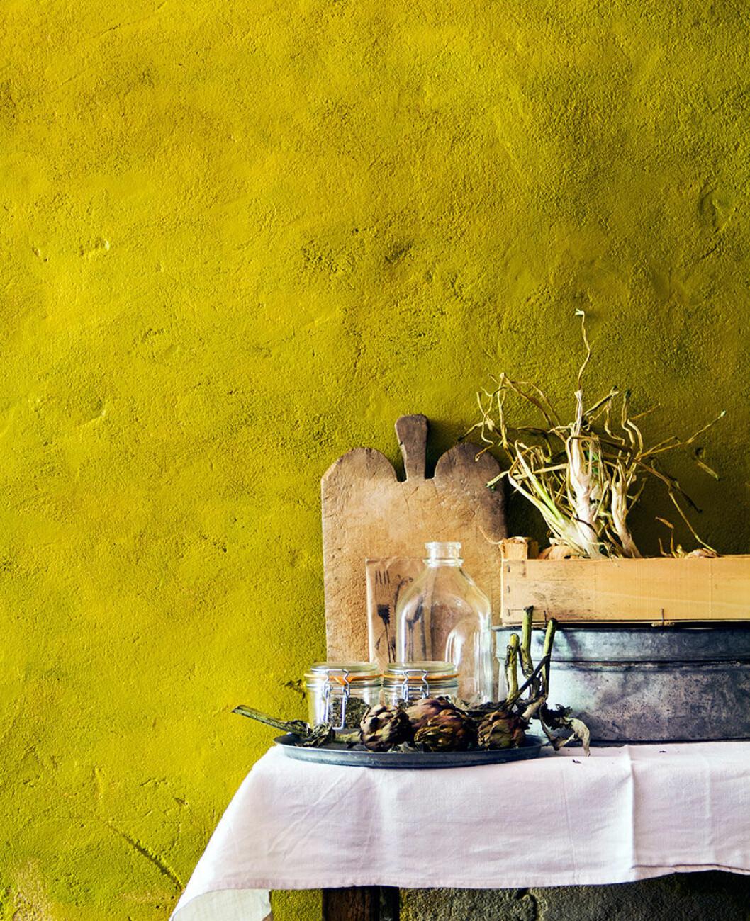 hans_blomquist_yellow_wall