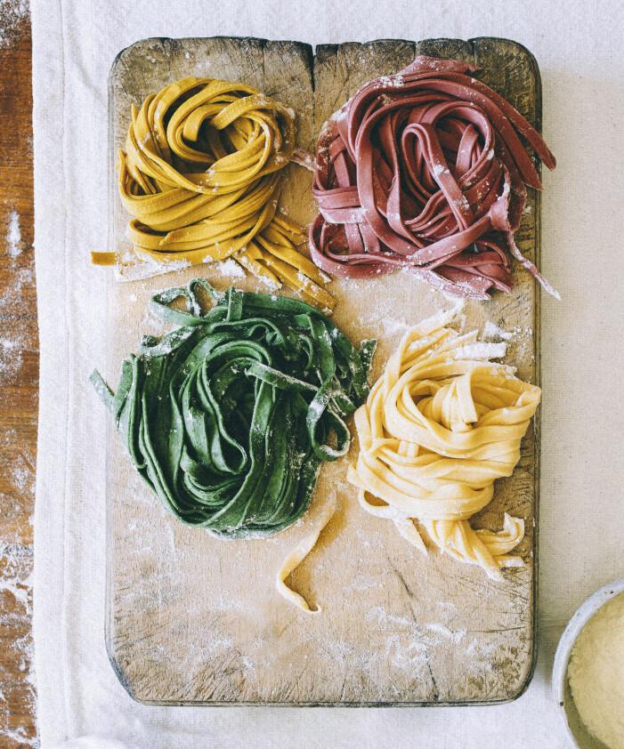 Hemgord, hemlagad, hemmalagad pasta i olika smaksättningar