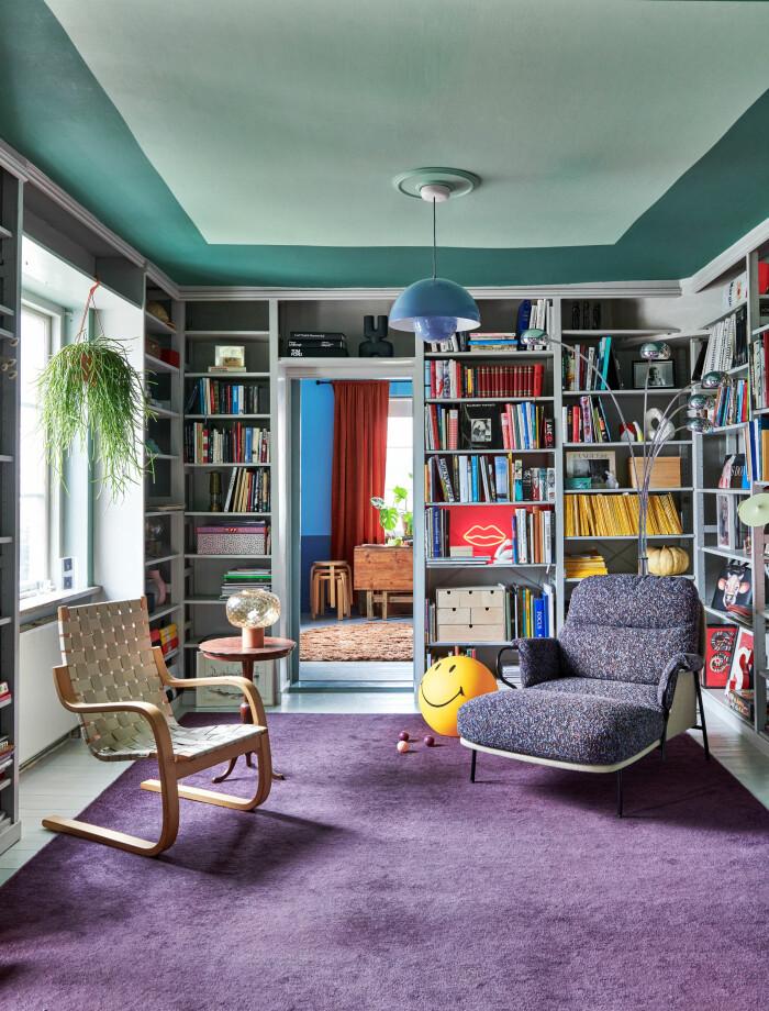 Hemma hos Camilla och Karl i Råå Elle Decoration biblioteket