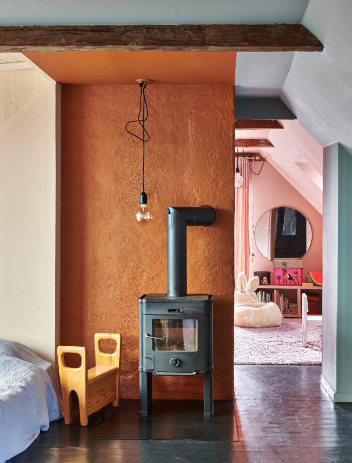 Hemma hos Camilla och Karl i Råå Elle Decoration sovrum
