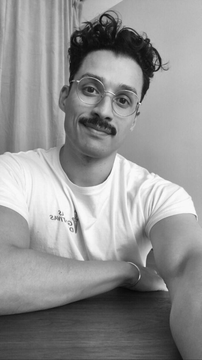 Hemma hos Dennis Valencia porträtt