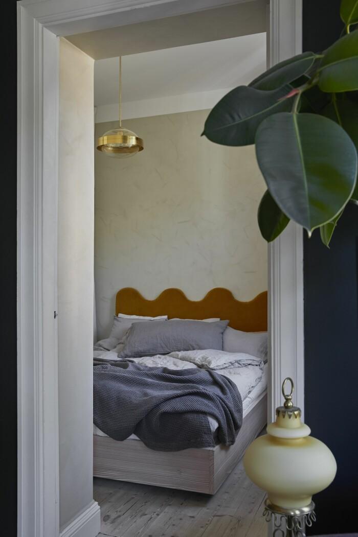 Hemma hos Dennis Valencia sovrum egen sängram DIY