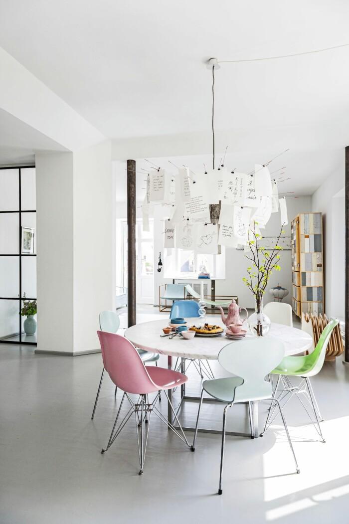 Hemma hos Mai Knauer pasteller och dansk design matplats