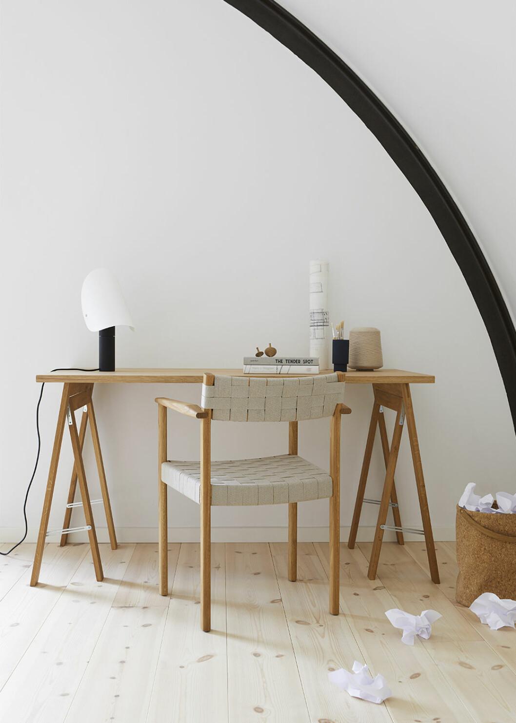 Skrivbord från Form & Refine