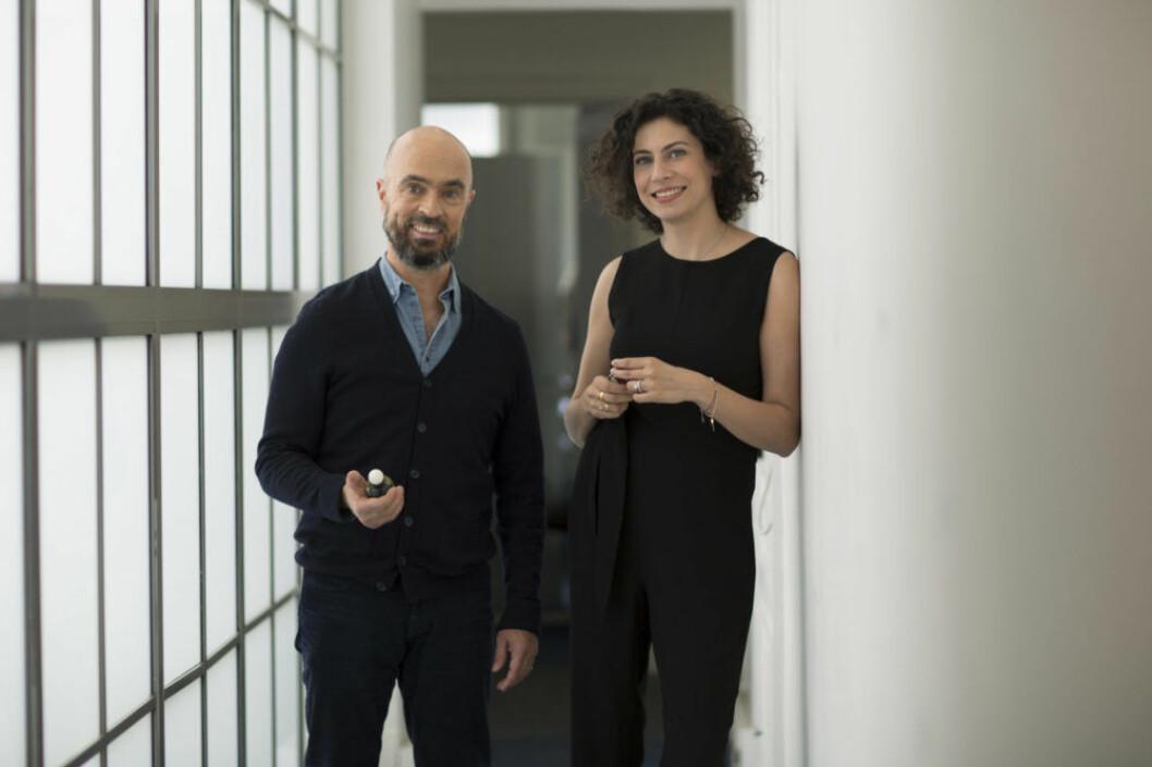Parfymörerna bakom dofterna heter Olivier Peschaux och Nisrine Grillié