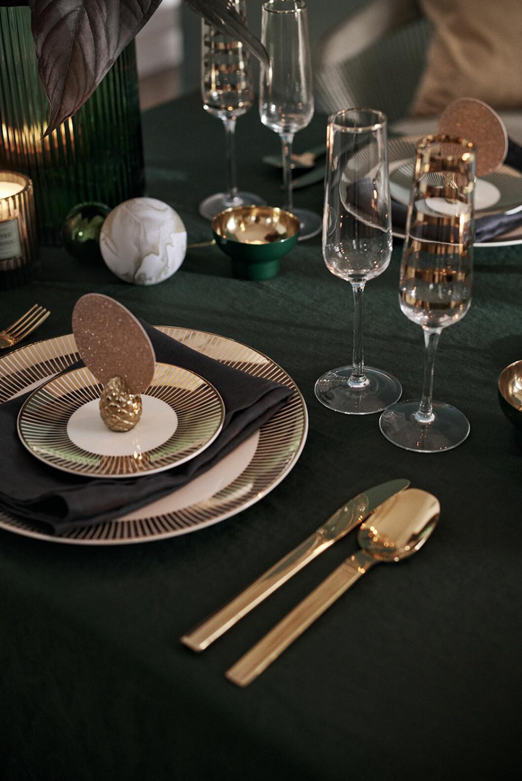 Detaljer i mässing julen 2019 hos H&M Home