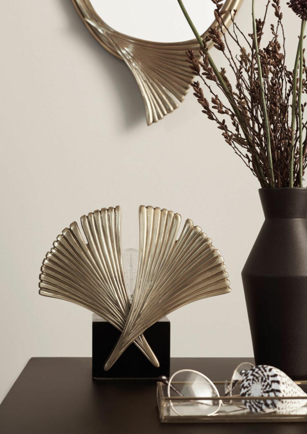 H&M Home släpper en ny kollektion med lampor och möbler.