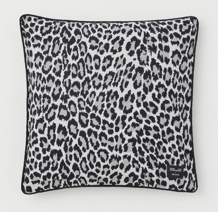 Hm home x Diane von Furstenberg leopardmönstrad kudde