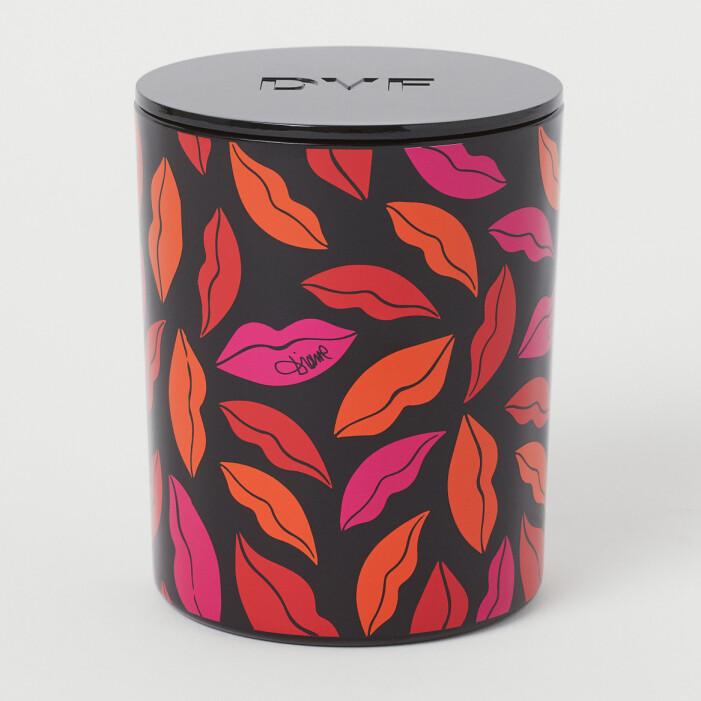 H&M home x Diane von Furstenberg stort doftljus lipstickmönster