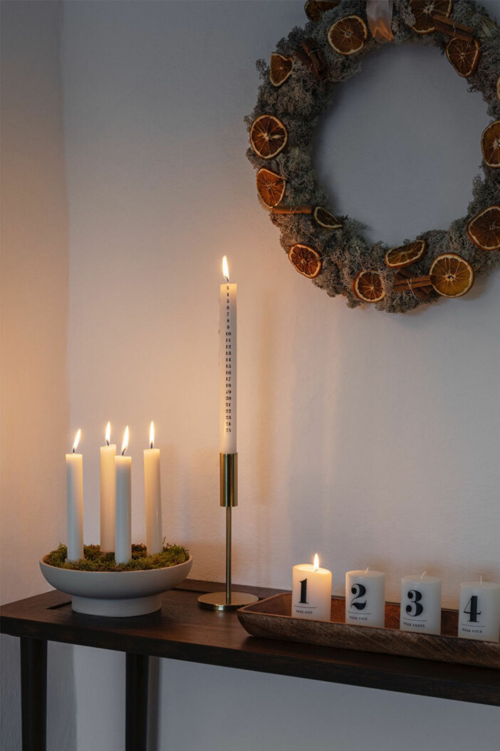 levande ljus och krans hos H&M Home i jul