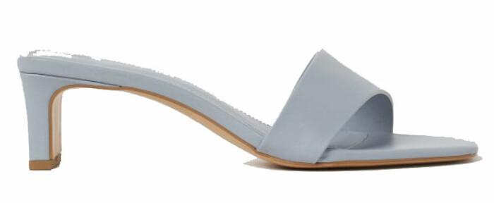 sandalett i ljusblått från H&M.