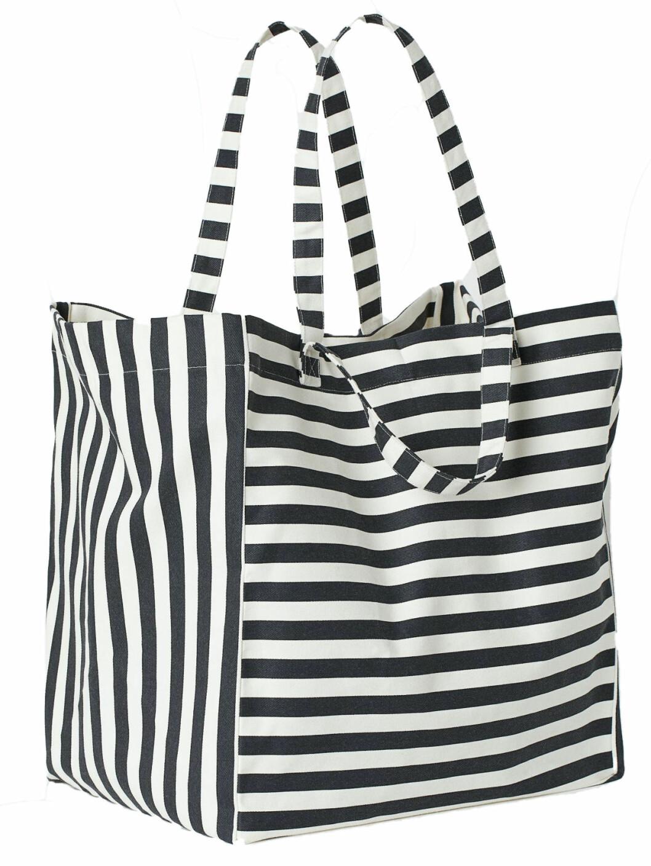 randig strandväska från H&M Home