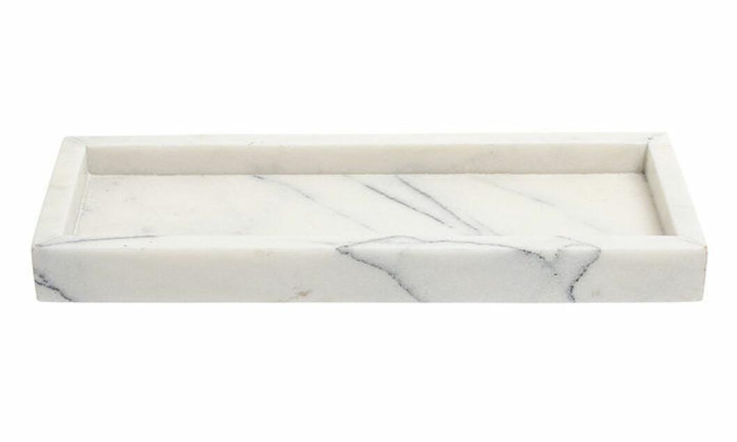 Skapa hotellkänsla i badrummet – med marmorbricka
