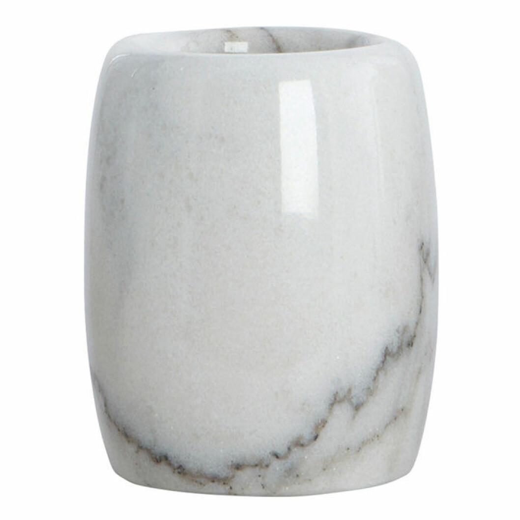 Skapa hotellkänsla i badrummet – med tandborsthållare i marmor